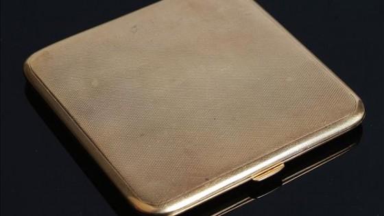 Rectangular cigarette case